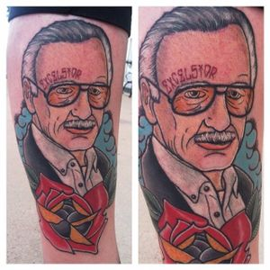 Stan Lee Tattoo by Jay Joree #stanlee #stanleetattoo #stanleetattoos #marvel #marveltattoo #marveltattoos #comictattoo #marvelcomics #traditionalportrait #traditional #JayJoree