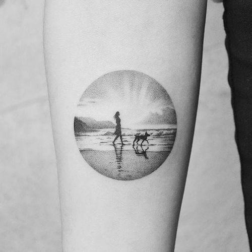 Micro tattoo by Amanda Piejak #AmandaPiejak #blackandgrey #micro #sun #beach #sunset #dog #tattoooftheday