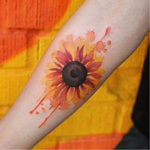 Sunflower tattoo by Joice Wang #JoiceWang #watercolor #graphic #nature #sunflower
