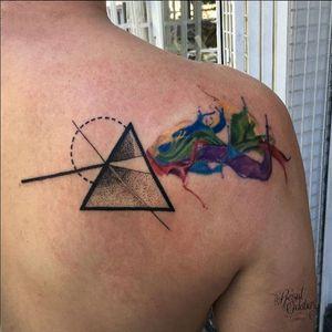 Sweet Pink Floyd/Dark Side of the Moon tat by Resul Odabaş #pinkfloyd #darksideofthemoon #rainbow #geometric #boldlines #ResulOdabas