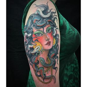 Medusa by @ClaudiaDeSabe #ClaudiaDeSabe #ladyhead