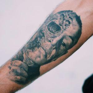 Dark portrait tattoo - half dead, half human #TattooStreetStyle #StreetStyle #madridstreetstyle #portrait #realistic #skull #scary