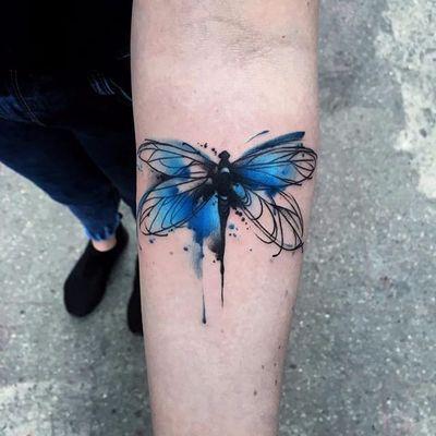 Feito por Aleksandra Kozubska #AleksandraKozubska #libelula #libelulatattoo #dragonfly #dragonflytattoo #inseto #bug #watercolor #aquarela