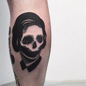 Skull lady tattoo by Denis Marakhin #maradentattoo #black #blackwork #blackandgrey #oddtattoo #skull #lady #denismarakhin #maraden