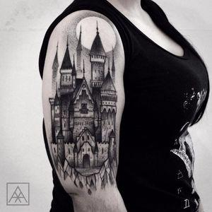 #MaxwellAlves #blackwork #castelo #castle #dotwork