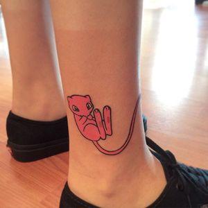 Mew tattoo by Melvin Arizmendi. #MelvinArizmendi #kawaii #cute #girly #popculture #pinkwork #pokemon #videogames