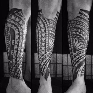 Tribal de leve. #MateusMattar #blackwork #geometria #geometry #TatuadoresDoBrasil #tribal