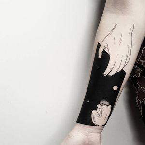 #MatteoNangeroni #gringo #blackwork #surrealism #surrealismo #woman #mulher #mao #hand #fullblack