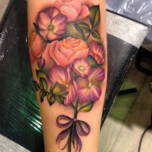 Botanical tattoo by Amy Autumn #AmyAutumn #botanical #flower #realism #colour