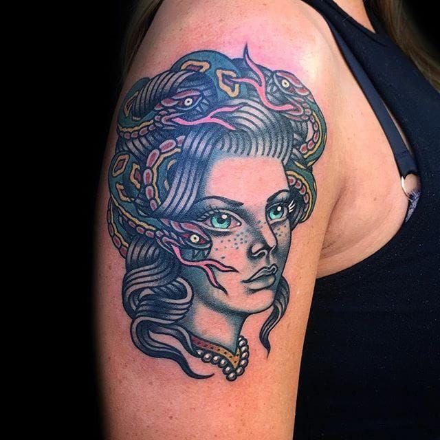 Beautiful lady head made by Phil Hatchet-Yau. Photo via IG- @philhatchetyau. #PhilHatchetyau #phillyconvention #ladyhead