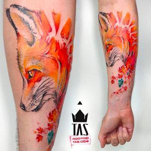 Por Rodrigo Tas! #RodrigoTas #TatuadoresBrasileiros #Aquarela #Watercolor #pontilhismo #dotwork #raposa #fox