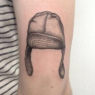 Pointillism tattoo by Anna Neudecker. #pointillism #dotwork #AnnaNeudecker #headgear