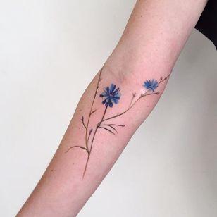 Wildflowers by Amanda Wachob (via IG-amandawachob) #flowers #floral #watercolor #color #illustrative #AmandaWachob