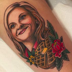 Leslie Knope by Becca Genné-Bacon (IG—beccagennebacon) #beccagennebacon#parksandrec #parksandrectattoo #parksandrecreation #parksandrecreationtatto