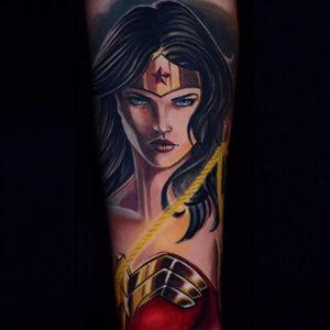Wonder Woman by Ben Ochoa  (via IG - ben_ochoa) #BenOchoa #illustrative #realism #character #portrait