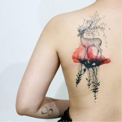 Lindo #Doy #TattooistDoy #gringo #veado #deer #watercolor #aquarela #flores #flowers #animal #delicate #delicado #realismo #realism