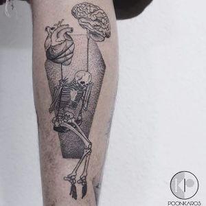 Fine line skeleton tattoo by Karry Ka-Ying Poon. #KarryKaYingPoon #Poonkaros #fineline #blackandgrey #pointillism #skeleton #brain #anatomicalheart #conceptual