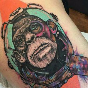 Macaco do espaço #LittleAndy #AndrewMarsh #gringo #surrealismo #surrealism #abstract #abstrato #fullcolor #colorido #pontilhismo #dotwork #neotraditional #macaco #monkey #astronauta #astronaut #aquarela #watercolor