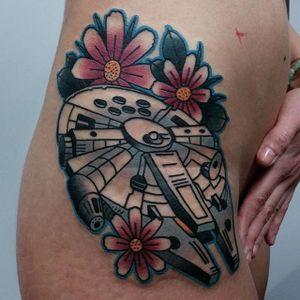 Star Wars tattoo by Bartek Kos #BartekKos #geek #starwars #milleniumfalcon