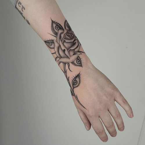 Pretty one by Ruby Quilter #RubyQuilter #blackandgrey #rose #eye #tattoooftheday