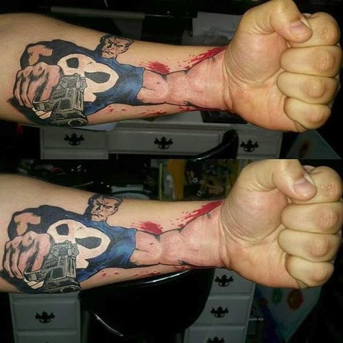 3-D Punisher arm (via IG -- armedmaidentattoo) #3d #punisher #comic
