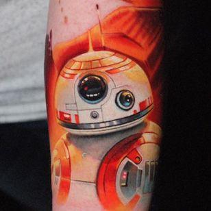 BB-8 tattoo by Ben Ochoa. #BenOchoa #colorrealism #popculture #starwars #bb8 #android