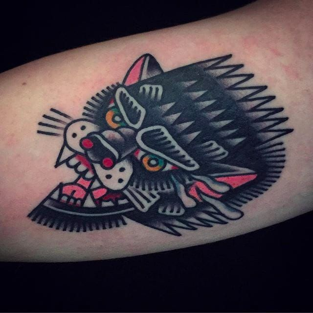Awesome looking wolf head tattoo by Mark Cross. #MarkCross #rosetattooNYC #TraditionalTattoo #BoldTattoos #wolf #wolfhead
