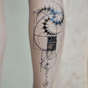 Golden ratio tattoo by Marie Roura #MarieRoura #graphic #spiritual #sacredgeometry #goldenratio #spiral