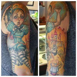 Alice in Wonderland tattoo by Mitchel Von Trapp @Mitchelmonster #Mitchelvontrapp #Newschool #Fantasy #Aliceinwonderland #AtomicZombietattoo