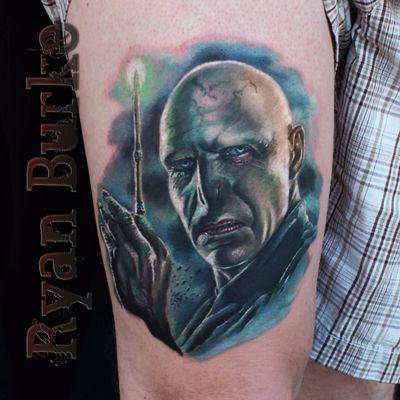 Tatuagem feita por Ryan Burke #RyanBurke #Voldemort #HarryPotter #JKRowling #book #livro #personagem #character #badguy #vilao #realismo #realism #sonserina