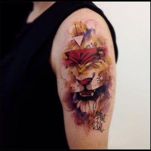 Leão majestoso #VictorMontaghini #brasil #brazil #tatuadoresdobrasil #brazilianartist #estilorascunho #sketchstyle #watercolor #aquarela #leao #lion #felino #reidaselva