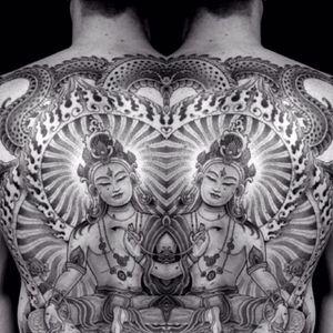 A mesmerizing illustration of Buddha by Jondix (IG—jondix). #blackandgrey #Buddha #Jondix #largescale #sacredgeometry