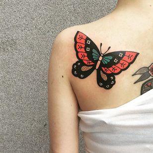 Butterfly by Sany Kim (via IG-kimsany) #butterfly #insect #animal #illustrative #color #bug #SanyKim