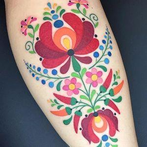 Florzíneas e pimentineas #WinstontheWhale #folk #70s #tradicional #traditional #colorful #colorido #coressolidas #gringo #flowers #flores #pimenta #pepper