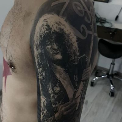 The Great Jimmy Page by Gabriele Pais #GabrielePais #realism #realistic #hyperrealism #blackandgrey #music #musictattoo #rockandroll #JimmyPage #ledZeppelin #ZoSo #guitar #tattoooftheday