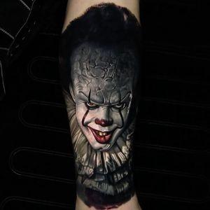 "Pennywise the clown from ""IT"" by Nikko Hurtado. (Via IG - nikkohurtado) #pennywise"