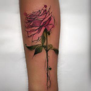 #RenataHenriques #RehTattoo #brasil #brazil #brazilianartist #TatuadorasDoBrasil #aquarela #watercolor #sketch #colorido #colorful #flor #flower #rosa #rose #folha #leaf