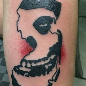 Brian from The Bouncing Souls inked this Misfits/Jersey piece, making it the most New Jersey tattoo ever! #briankienlen #misfits #newjersey #newjerseytattoo #jerseypridetattoo #njtattoo