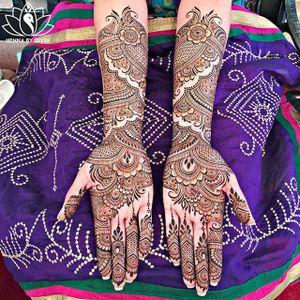 Henna tattoo by Divya Patel. #DivyaPatel #henna #mehndi #temporary #hennaart