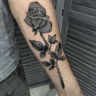 Rose Tattoo by Morgane Jeane #rose #rosetattoo #contemporarytattoos #delicatetattoo #moderntattoo #colorful #colorfultattoo #bestattoos #frenchtattoo #MorganeJeane