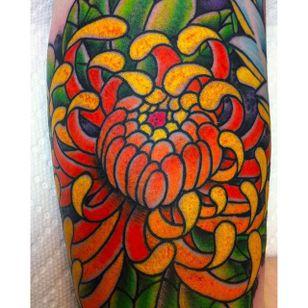 Super bright and colorful chrysanthemum tattoo by Jae Connnor. #flower #chrysanthemum #Japanese #JaeConnor