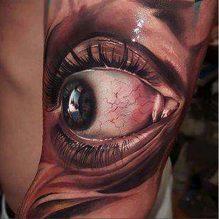 I'm watching you! Tattoo by Andrzej Niuniek. (Via IG - niuniekrock) #colorrealism #eye