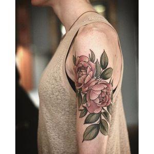 Garden-inspired tattoo by Alice Carrier. #AliceCarrier #flower #garden #plant #neotraditional #rose