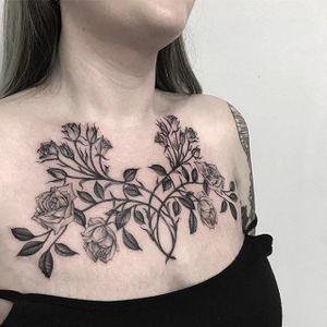 Black and grey roses by Sera Helen #SeraHelen #blackandgrey #rose #tattoooftheday