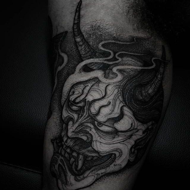 Blackwork tattoo by Felipe Kross. #FelipeKross #blackwork #dotwork #hannya #demon #japanese