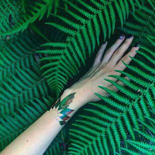 Leaves Tattoo by Pis Saro @Pissaro_tattoo #PisSaro #PisSaroTattoo #Nature #Watercolor #Naturetattoo #Watercolortattoo #Botanical #Botanicaltattoo #Crimea #Russia