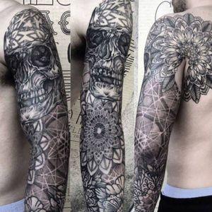 Cool sleeve tattoo by Laurent Z #LaurentZ #skull #dotwork #mandala #geometric