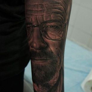 Magnificent detail shot of a Bryan Cranston portrait as Walter White. Tattoo by Fredy Tomas. #FredyTomas #ExoticTattoo #realistictattoo #walterwhite #bryancranston #breakingbad