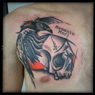 Raven and Skull Sketch Style Tattoo by Damian Thür @MrCoffee85 #DamianThür #Sketchstyle #sketchstyletattoo #Raven #Crow #Skull #MementoMori