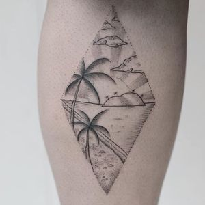 Stranded on a desert island by Hannah Nova Dudley (IG— hannah_novart). #desertisland #dotwork #HannahNovaDudley #landscapes #miniature #palmtrees #pristine #sea